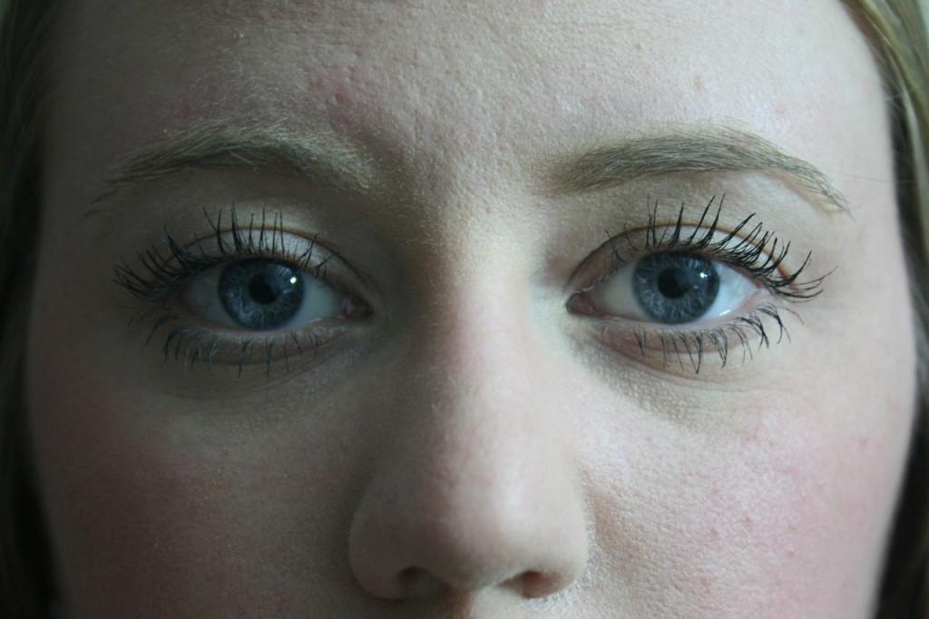 Girl Eyes, Zombie, Goaly Blog