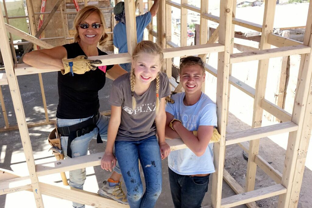 Building a house to families without a home - with my beloved children!